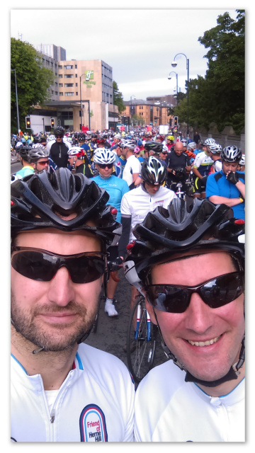 Customary selfie at the start