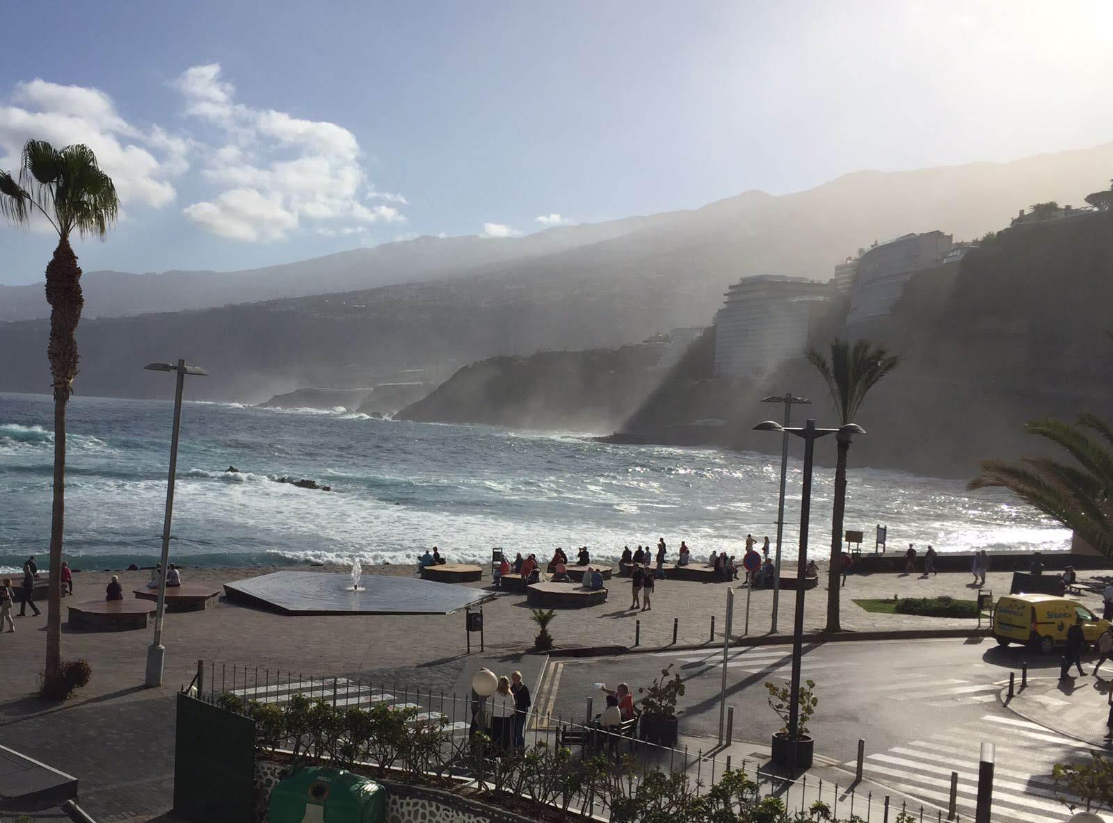Waves hitting the coastline of northern Tenerife